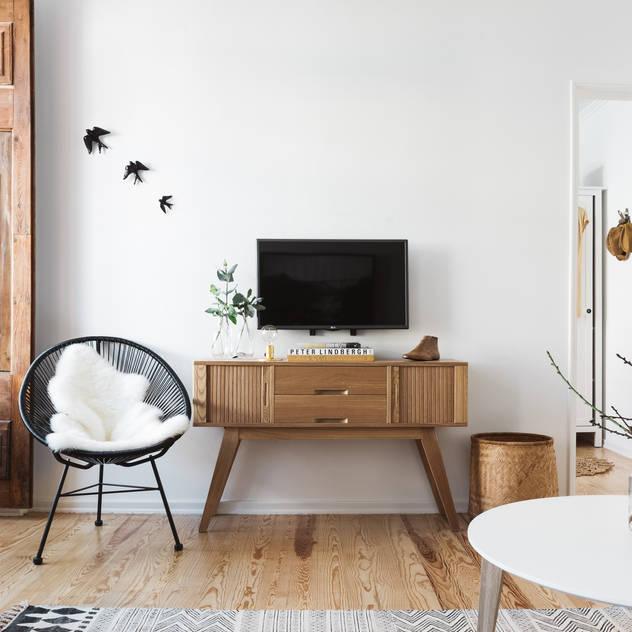 Phòng khách phong cách Bắc Âu bởi Arkstudio Bắc Âu