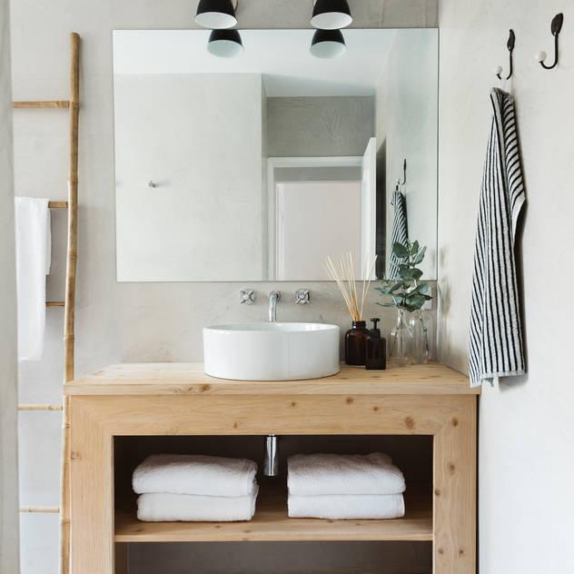 Phòng tắm phong cách Bắc Âu bởi Arkstudio Bắc Âu