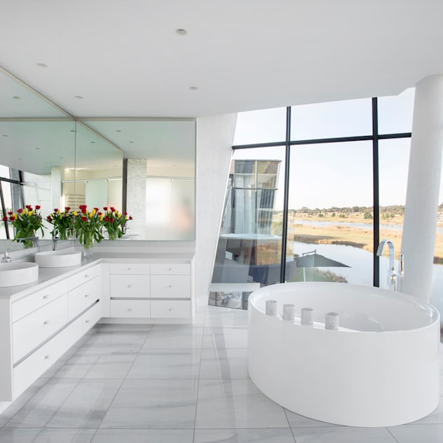 ULTRA MODERN RESIDENCE FRANCOIS MARAIS ARCHITECTS Modern bathroom