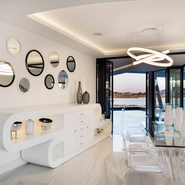 ULTRA MODERN RESIDENCE FRANCOIS MARAIS ARCHITECTS Modern dining room