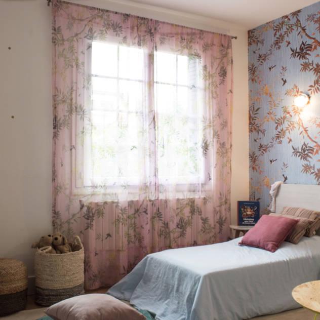 Madame bleu: Chambre d'enfant de style de style Scandinave par COLOMBE MARCIANO
