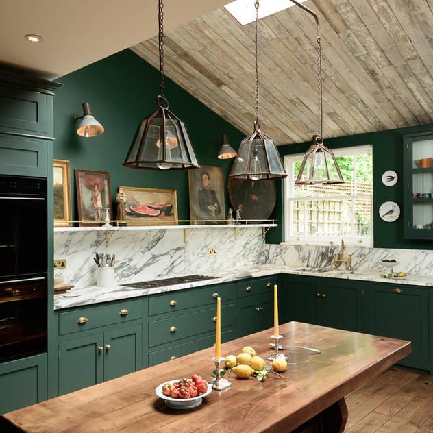 The Peckham Rye Kitchen by deVOL Classic style kitchen by deVOL Kitchens Classic Wood Wood effect