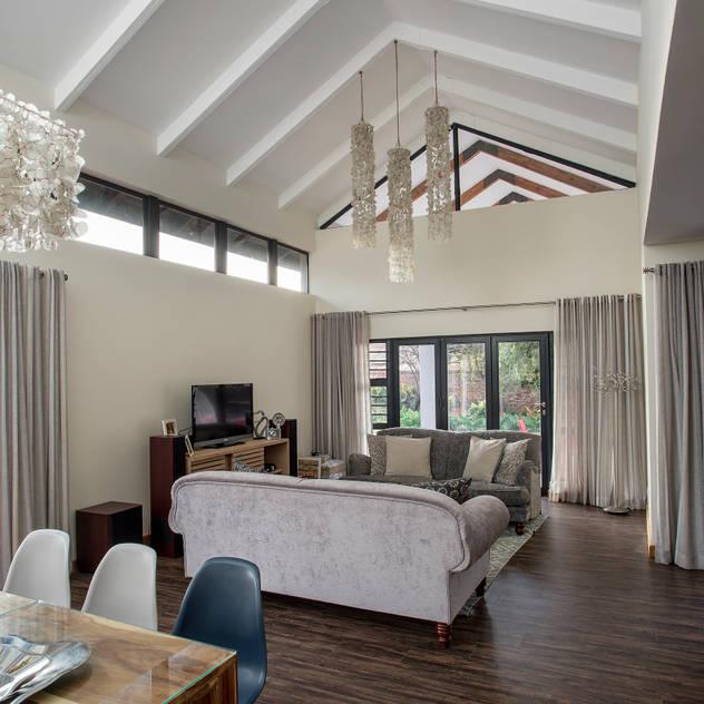 Bedforview Alterations FRANCOIS MARAIS ARCHITECTS Modern living room