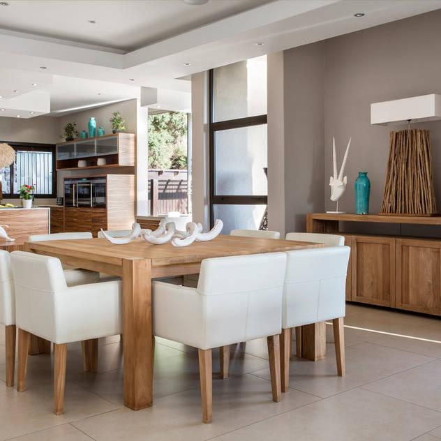 Wonderful in wood FRANCOIS MARAIS ARCHITECTS Modern dining room