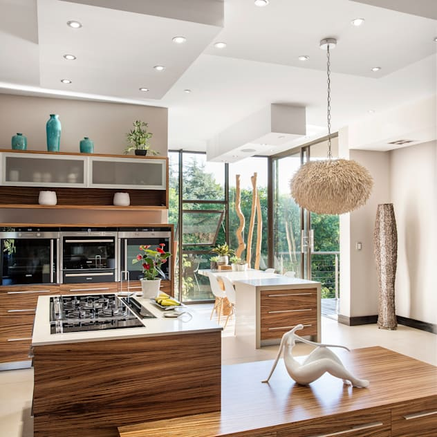 Richly detailed FRANCOIS MARAIS ARCHITECTS Modern kitchen