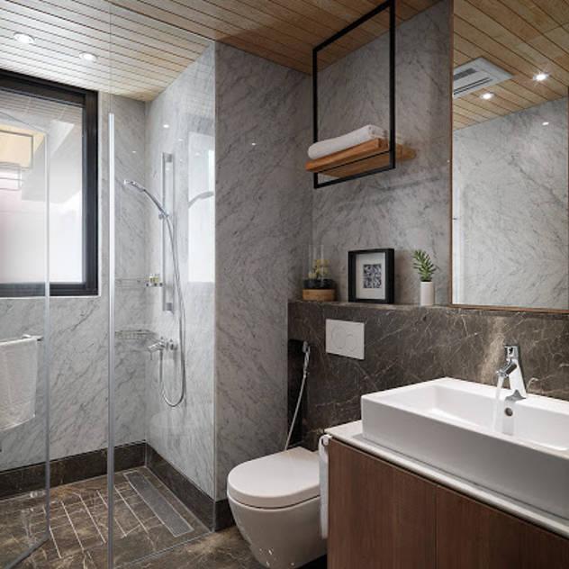 modern Bathroom by 木皆空間設計