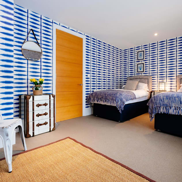 Blue Moorings : eclectic Bedroom by Perfect Stays