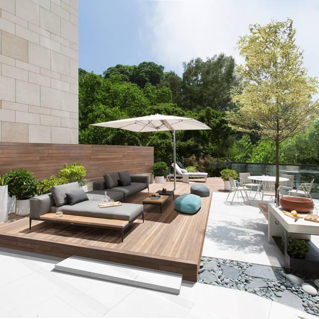 Vườn phong cách hiện đại bởi Sensearchitects Limited Hiện đại Gỗ Wood effect