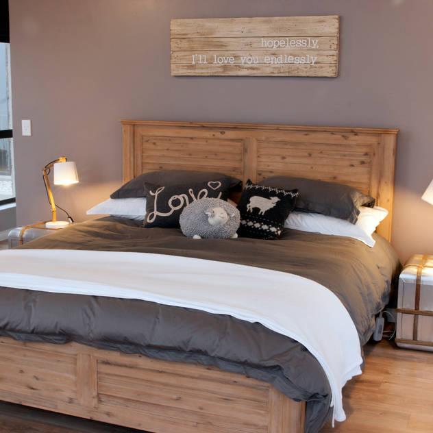 Urban Habitat Architects Rustic style bedroom
