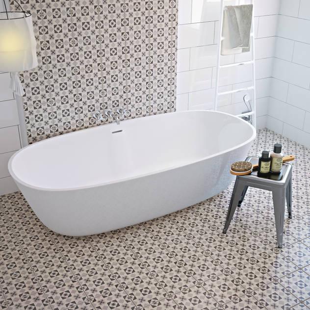 Phòng tắm phong cách Địa Trung Hải bởi olivia Sciuto Địa Trung Hải