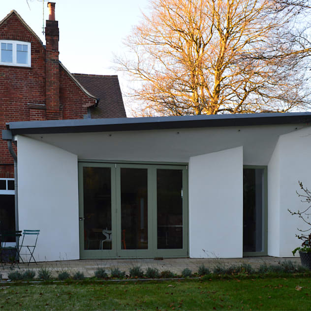 Casas de estilo moderno por ArchitectureLIVE