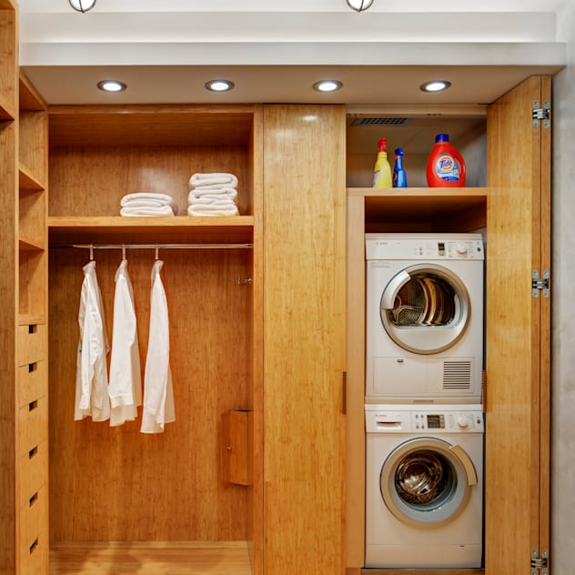 Dressing Room with Laundry Closet Modern Dressing Room by Lilian H. Weinreich Architects Modern Bamboo Green