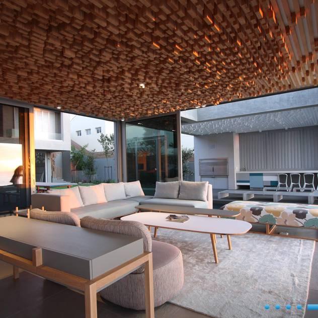 Plettenberg Bay - Beach House DV8 Architects Modern living room