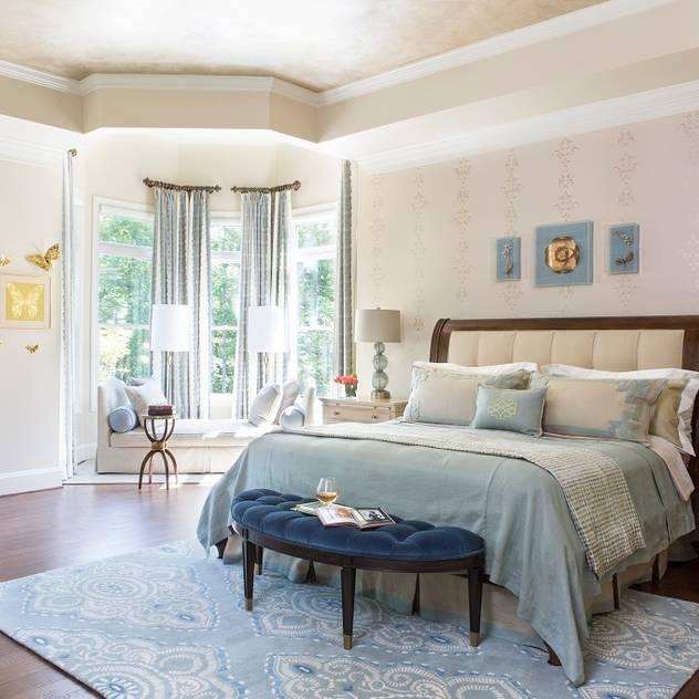 Riverside Retreat - Main Bedroom Lorna Gross Interior Design Classic style bedroom
