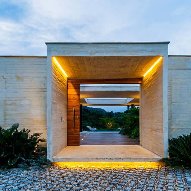 bởi Arquitectura en Estudio Hiện đại Bê tông