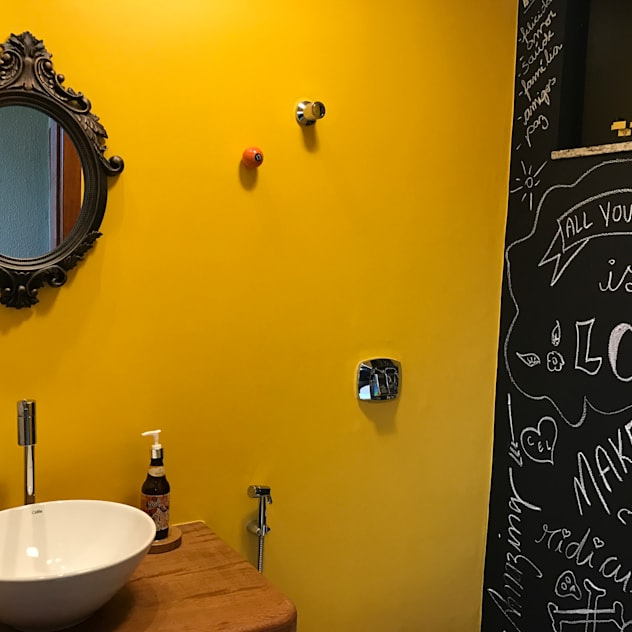 Bathroom by TRES MAIS arquitetura