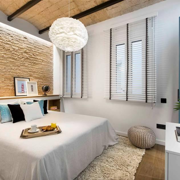 Phòng ngủ phong cách Địa Trung Hải bởi Egue y Seta Địa Trung Hải