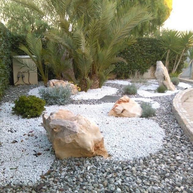 Jardines de estilo rústico por  landscapeabc studio garden design