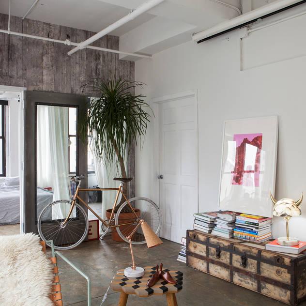 ausgefallene Wohnzimmer von MERVE KAHRAMAN PRODUCTS & INTERIORS