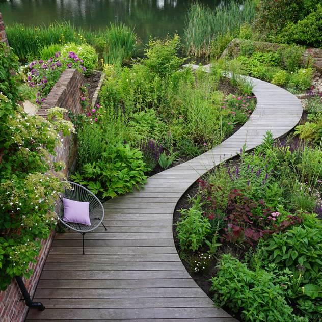 Lakeside garden Vườn phong cách đồng quê bởi Joanne Willcocks, Gardens by Design Đồng quê Gỗ Wood effect