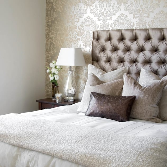 classic Bedroom by Peter Thomas Interiors