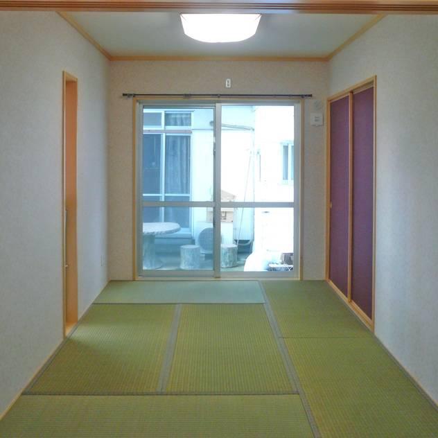 主寝室: 株式会社青空設計が手掛けた寝室です。,