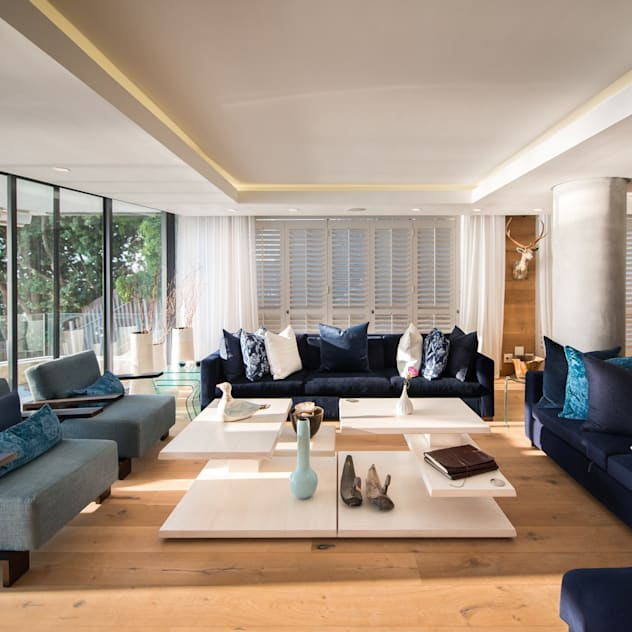 Luxurious Clifton Apartment Inhouse Modern living room