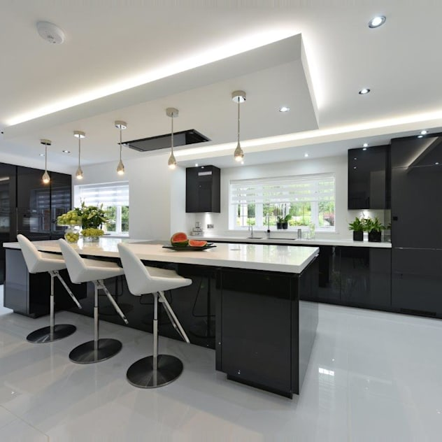 Cheshire Kitchen: modern Kitchen by Diane Berry Kitchens
