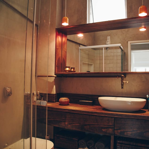 Apartamento Santa Teresa: Banheiros industriais por Atelier CT