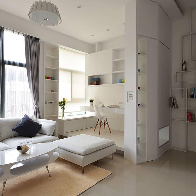 modern Study/office by 瓦悅設計有限公司