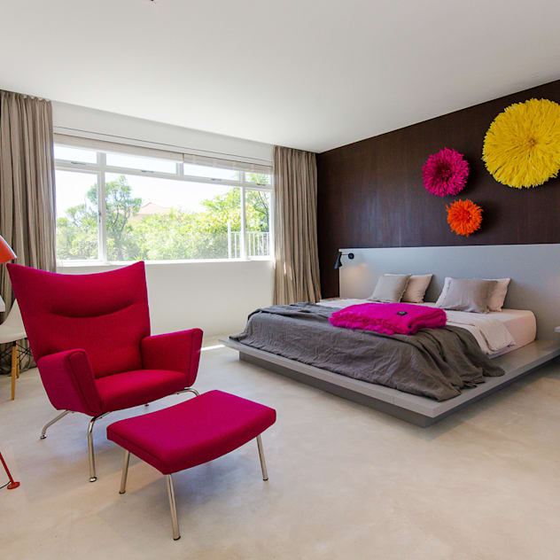Camps Bay House 1 GSQUARED architects Minimalist bedroom Engineered Wood Pink