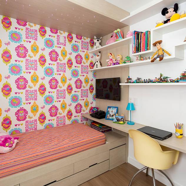 ห้องนอนเด็ก by Sílvia Bittencourt Arquitetura e Interiores