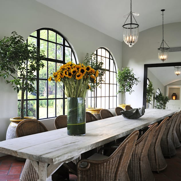 Villa Maria Country style dining room by andretchelistcheffarchitects Country