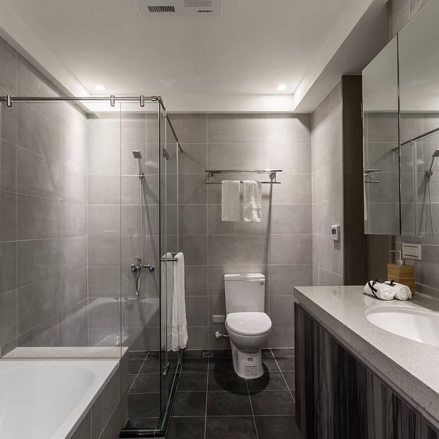 Bathroom by E&C創意設計有限公司