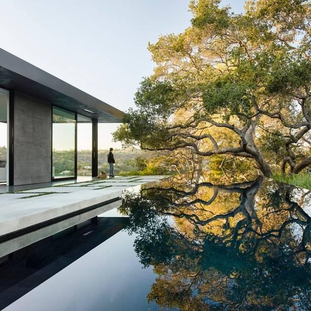 Hồ bơi phong cách hiện đại bởi Paul Marie Creation Garden Design & Swimmingpools Hiện đại