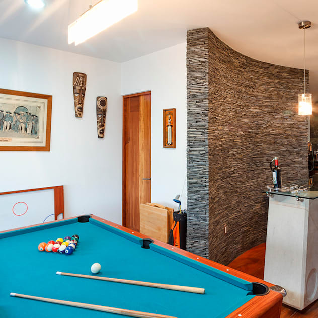 Phòng giải trí phong cách hiện đại bởi SANTIAGO PARDO ARQUITECTO Hiện đại
