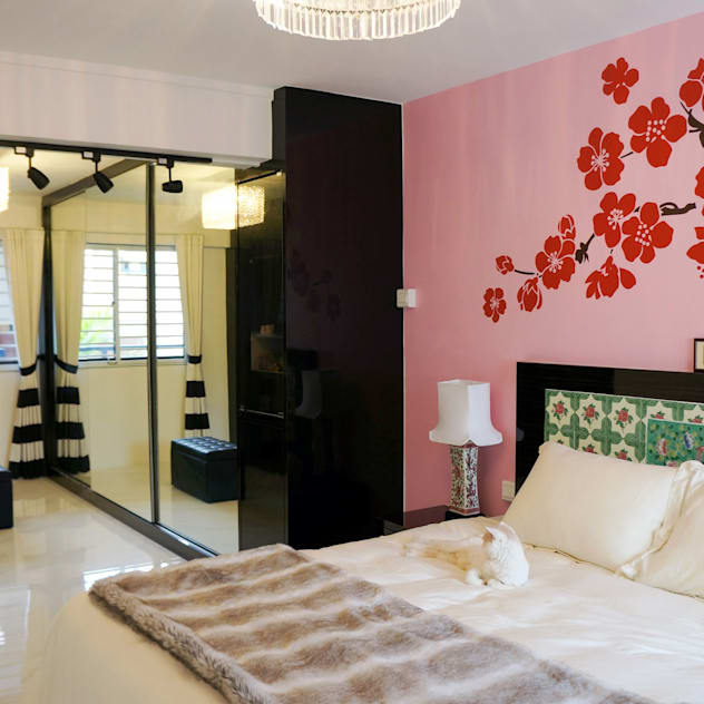 3-Room HDB @ Whampoa Drive Colonial style bedroom by AgcDesign Colonial