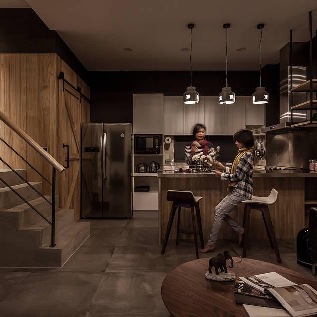 廚房 漢玥室內設計 Built-in kitchens Concrete Metallic/Silver