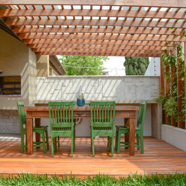 Vườn phong cách chiết trung bởi Bloco Z Arquitetura Chiết trung