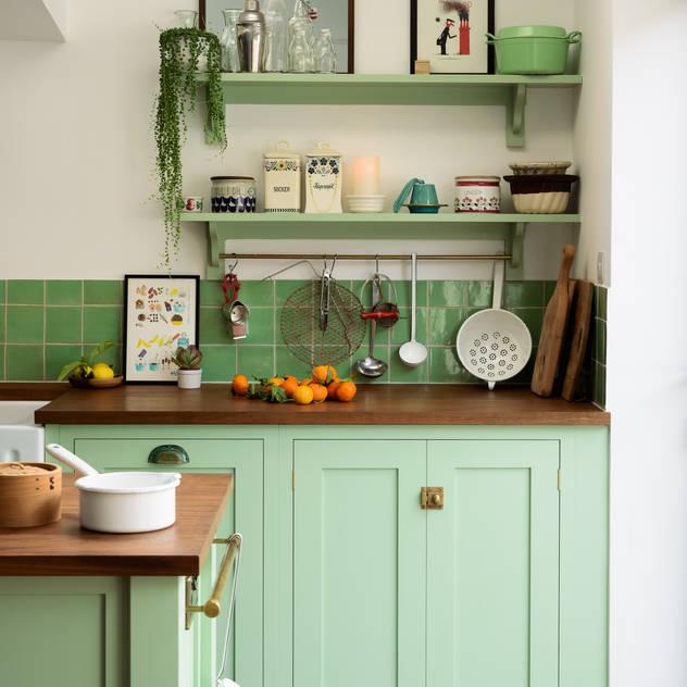 The Khoollect Kitchen by deVOL bởi deVOL Kitchens Chiết trung Gỗ Wood effect