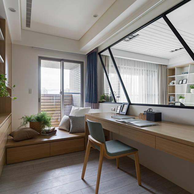 Phòng học/văn phòng phong cách Bắc Âu bởi 存果空間設計有限公司 Bắc Âu