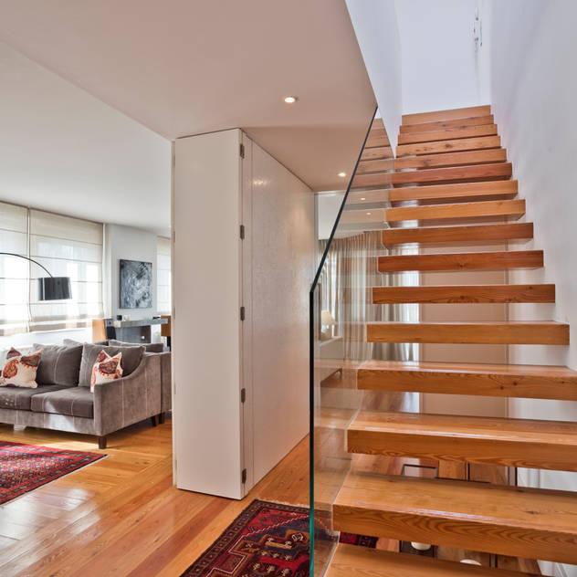 Zonas Comuns e Escadas de Acesso: Escadas por LAVRADIO DESIGN