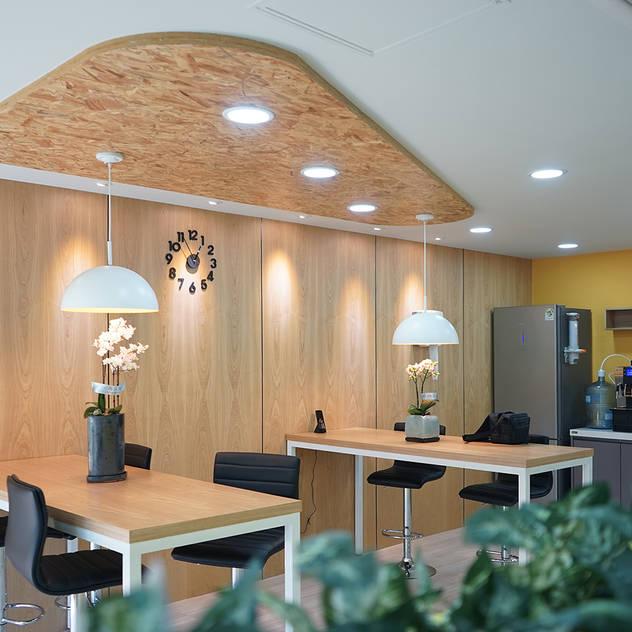버드나무: 제시카디자인그룹 의  회사