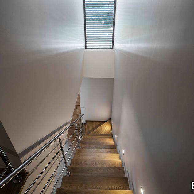 Casa Monteiro: Escadas por Esquissos 3G