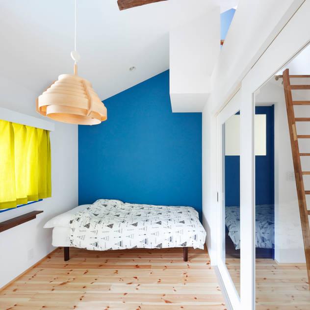 Phòng ngủ phong cách Bắc Âu bởi atelier m Bắc Âu