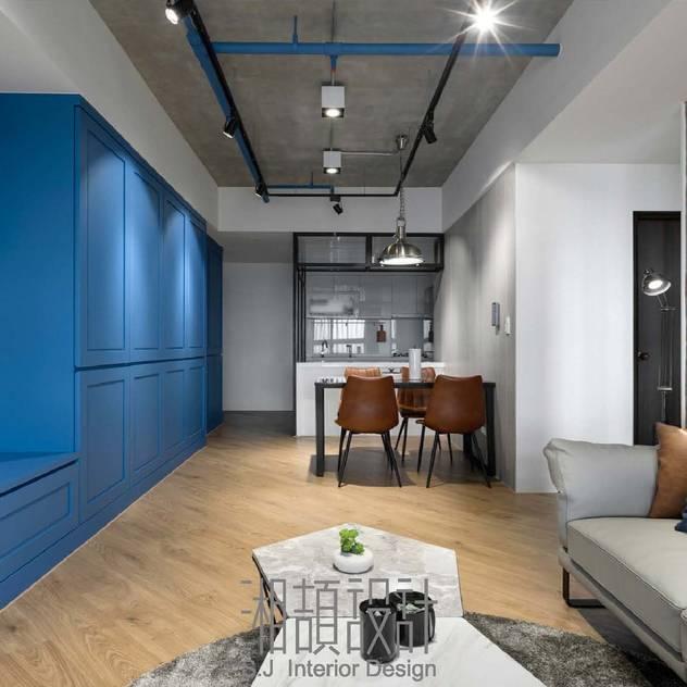 Phòng khách phong cách công nghiệp bởi 湘頡設計 Công nghiệp Gỗ Wood effect