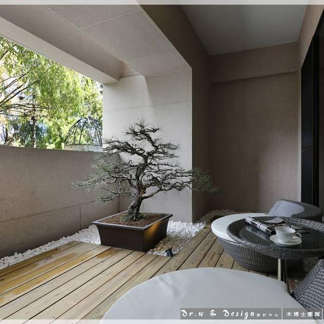Hiên, sân thượng phong cách hiện đại bởi 木博士團隊/動念室內設計制作 Hiện đại