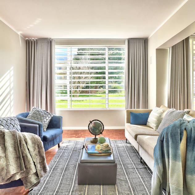 Devonshire Hills Studio Do Cabo Modern living room