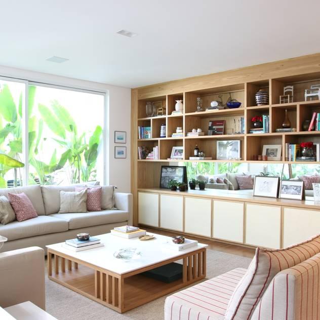 Sala de estar - estante Salas de estar modernas por ARK2 ARQUITETURA Moderno Madeira Efeito de madeira