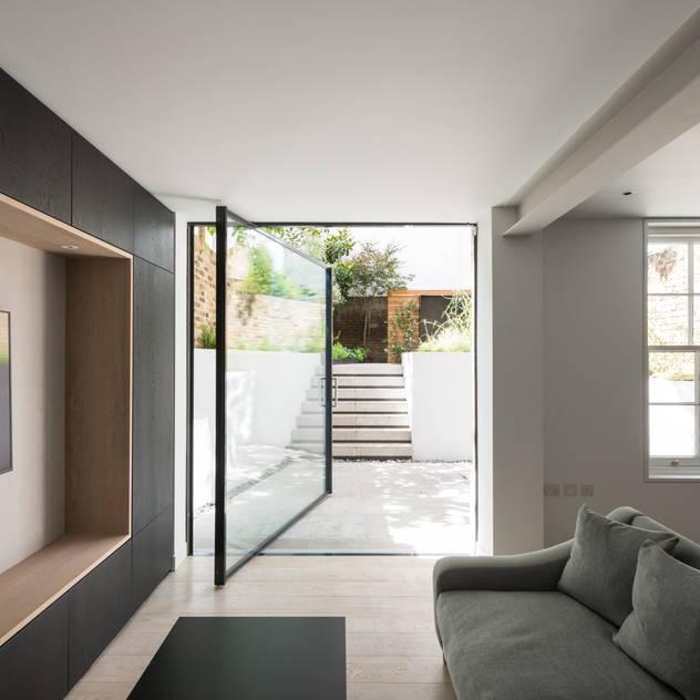 The Bevel Extension bởi IQ Glass UK Hiện đại Nhôm / Kẽm
